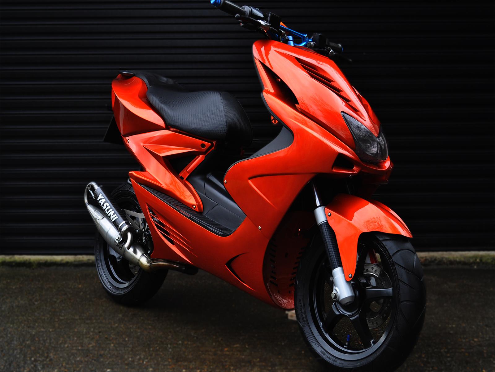 Yamaha R Modified